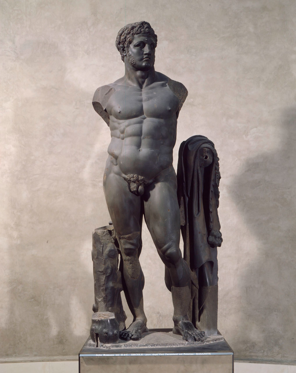 Scultura colossale raffigurante Eracle
