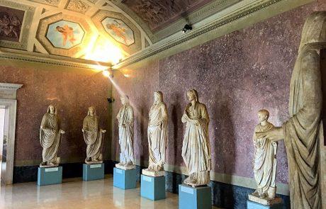 Dodici statue del sito archeologico di Veleia